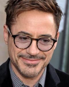 Robert_Downey_Jr_avp_Iron_Man_3_Paris_2