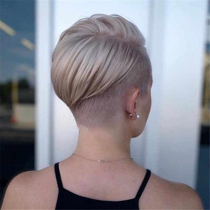 Popular-Short-Haircuts-For-Women-2020-14